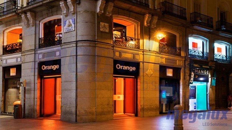 Orange opta por las ventajas de los LEDs de Megalux