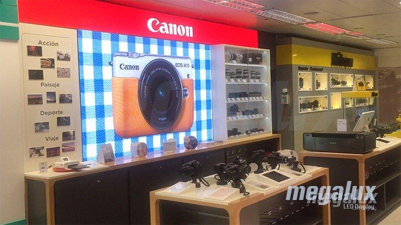 El Corte Inglés de la Castellana luce pantalla LED publicitaria Megalux