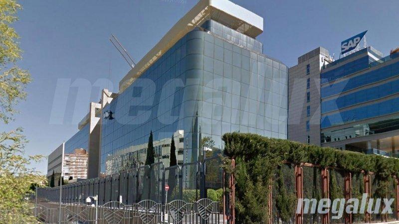 Megalux ilumina los emblemáticos edificios Merrimack de Madrid