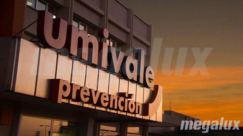 Megalux alumbra las clínicas Umivale con la última tecnología en LED