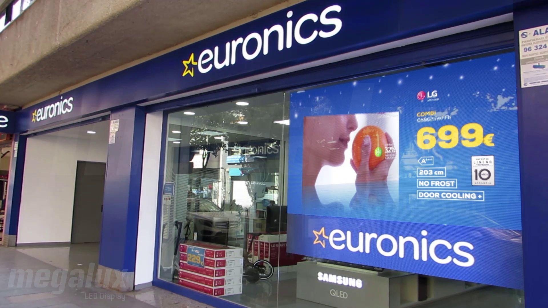 La cadena Euronics se hace notar con pantalla LED Megalux de gran formato