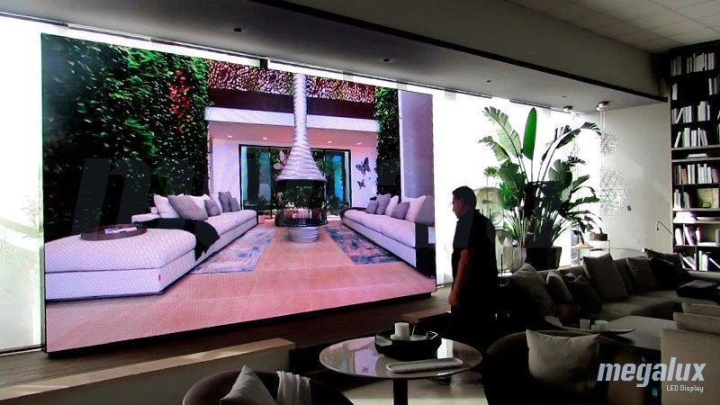 Terraza Balear elige una pantalla LED de interior Megalux para su showroom en Mallorca